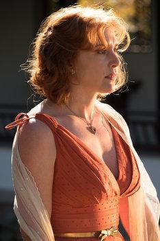 「女と男の観覧車」より、ケイト・ウィンスレット演じるジニー。