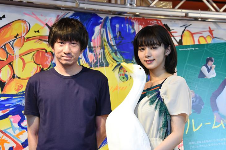 映画「ルームロンダリング」トークイベントの様子。左から羽賀翔一、池田エライザ。