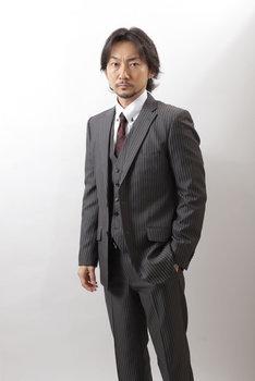 波岡一喜演じる塩田丸雄。