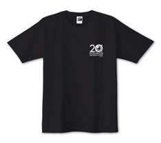 アニメ20周年記念Tシャツ(2700円)