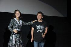 左から水崎綾女、坂本浩一。