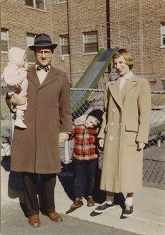 スティーヴン・スピルバーグの家族写真。