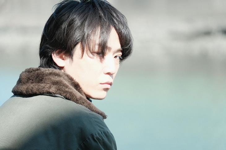 ドラマ「東野圭吾 手紙」より、亀梨和也演じる武島直貴。