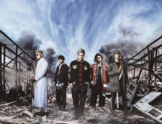 「HiGH&LOW THE MOVIE 2 / END OF SKY」ビジュアル (c)2017「HiGH&LOW」製作委員会