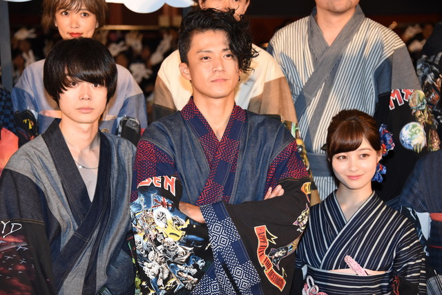 左から菅田将暉、小栗旬、橋本環奈。