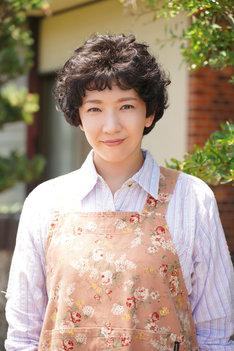 瀬奈じゅん演じる三橋愛美。