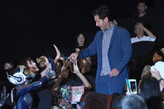 ワスプのコスプレをした観客に驚くポール・ラッド。