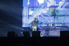 「PKCZ×DTC-湯けむり純情篇-from HiGH&LOW 完成披露試写会&PREMIUM LIVE SHOW」より、EXILE SHOKICHIによるパフォーマンスの様子。