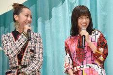 左から沢尻エリカ、前田敦子。