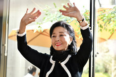 「初恋~お父さん、チビがいなくなりました」より、星由里子演じる志津子。