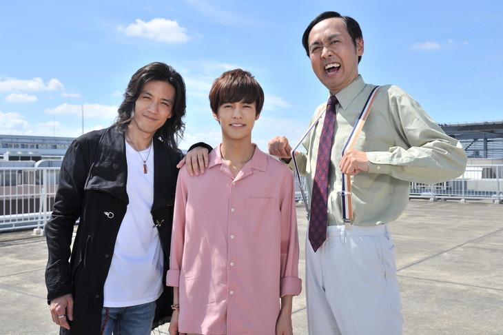 左から半田健人、奥野壮、田中卓志。
