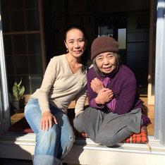 左から河瀬直美、樹木希林。 (c)2015 映画『あん』製作委員会/COMME DES CINEMAS/TWENTY