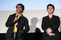 左から佐藤魁、村上虹郎。
