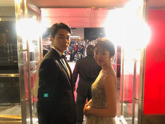 第23回釜山国際映画祭に出席した東出昌大(左)と唐田えりか(右)。