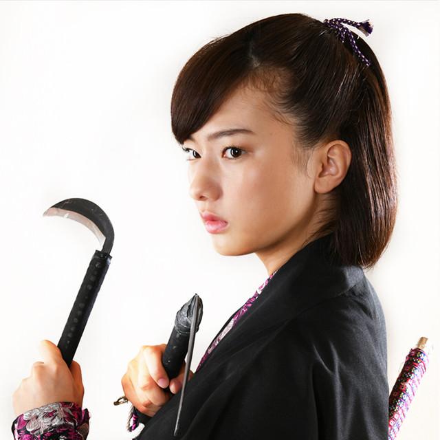 搗宮姫奈演じるヒロ。