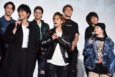 山王連合会キャストの3人。前列左から佐藤寛太、岩谷翔吾、山本彰吾。