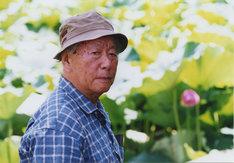 不忍池にて木村威夫(2002年)。撮影:松尾正信