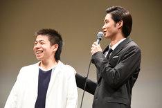 左から宮嵜瑛太、磯村勇斗。