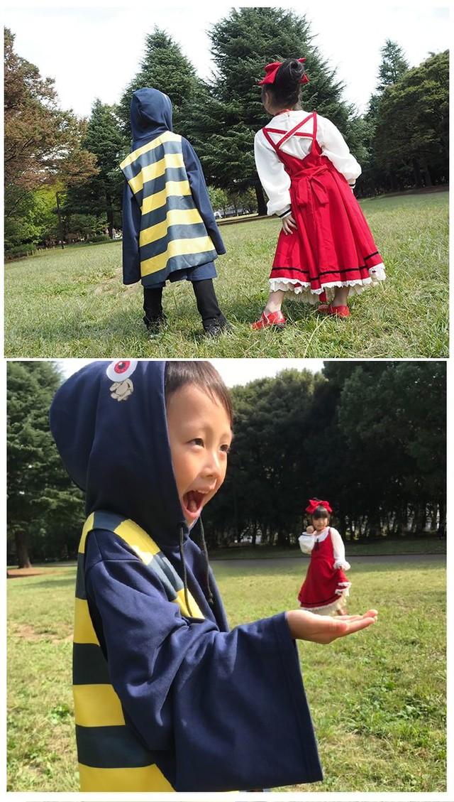 「鬼太郎のちゃんちゃんこ付きアンサンブルパーカー kids ver.」「ねこ娘のリボンヘアアクセ付きドッキングワンピース kids ver.」着用イメージ