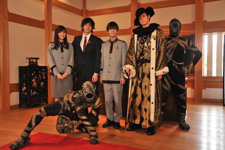 左から高田里穂、渡部秀、奥野壮、岩永徹也。