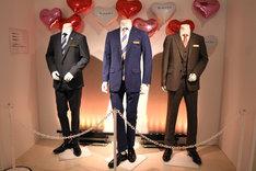 左から牧凌太のスーツ、春田創一のスーツ、黒澤武蔵のスーツ。