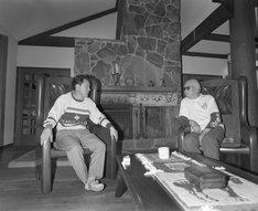 1993年春に行われたビートたけし(左)と黒澤明(右)の対談の様子。(c)文藝春秋
