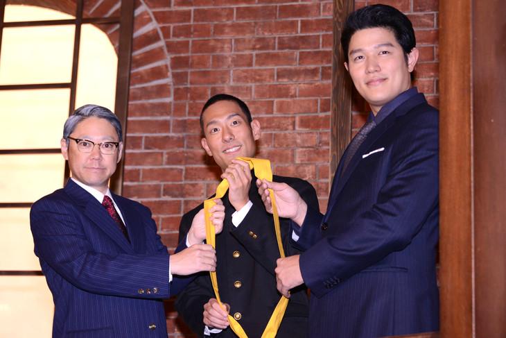「大河ドラマ主演 バトンタッチセレモニー」より。左から阿部サダヲ、中村勘九郎、鈴木亮平。