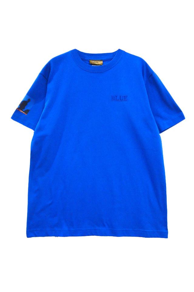 「BLUE」刺繍Tシャツ(税込5184円)