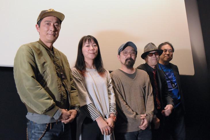 トークイベント「これからの映画と映画館」の様子。左から富田克也、大九明子、山下敦弘、矢崎仁司、浅井隆。