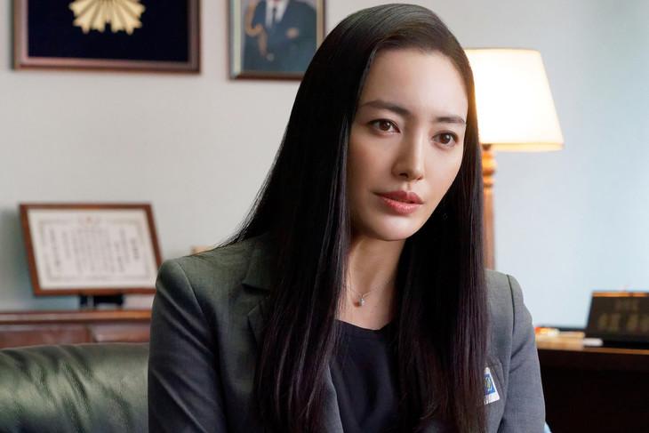 「相棒 season17」元日スペシャル「ディーバ」より、仲間由紀恵演じる社美彌子。