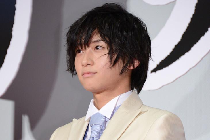 2018年12月に「映画刀剣乱舞」のイベントに出席した荒牧慶彦。