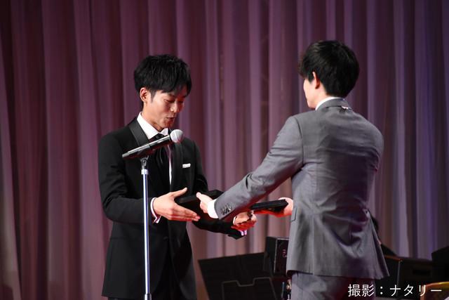 第31回日刊スポーツ映画大賞の表彰式の様子。