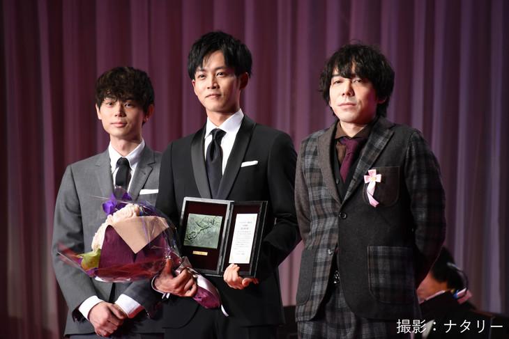 左から菅田将暉、松坂桃李、三浦大輔。