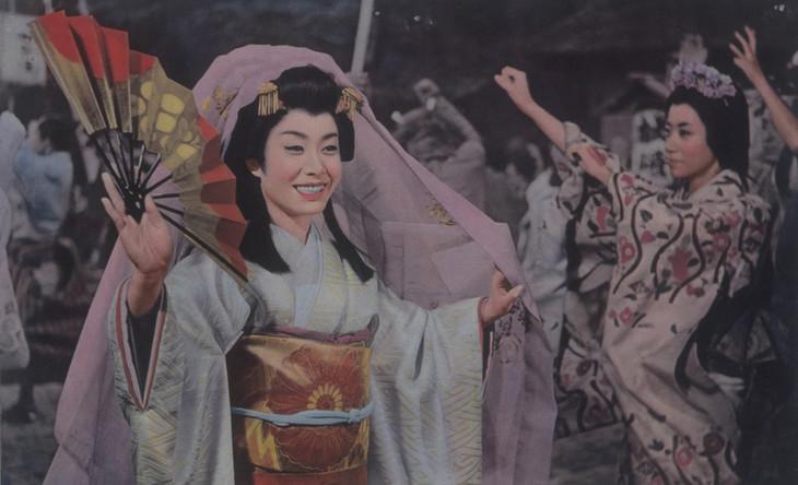 「ひばり・チエミのおしどり千両傘」 (c)東映