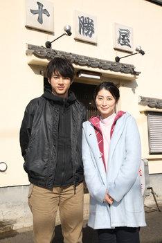 「イノセンス~冤罪弁護士~」追加キャスト。左から山田裕貴、仙道敦子。