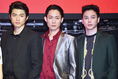 左から山本健太郎役の白洲迅、立花リョウ役の花沢将人、杉原和彦役の柾木玲弥。