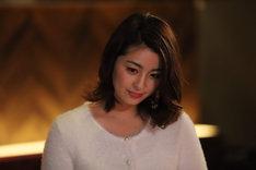 「JOKER×FACE」より、柳ゆり菜演じる由美。