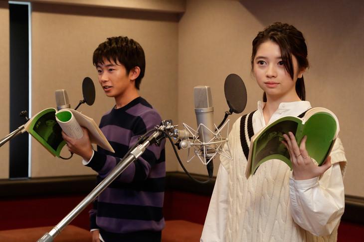 左から加藤清史郎、桜田ひより。