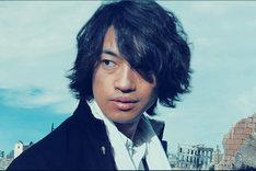 「麻雀放浪記2020」より、斎藤工演じる坊や哲。