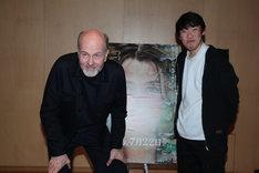 左からエリック・ポッペ、松江哲明。