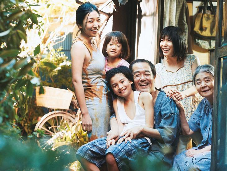 「万引き家族」 (c)2018フジテレビジョン ギャガ AOI Pro.