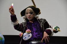 プリキュアネタを披露するゴー☆ジャス。