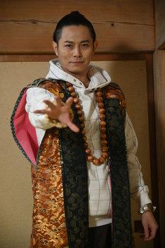 姜暢雄演じるガマノ師匠の人間態。