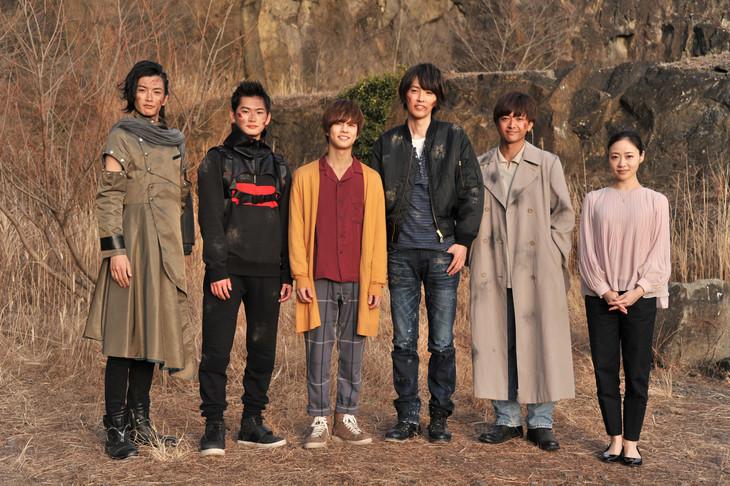 左から渡邊圭祐、押田岳、奥野壮、椿隆之、森本亮治、梶原ひかり。