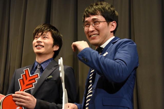 左から田中圭、じろう。