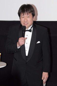 """「シャザム!」""""緊急発表会見風""""イベントに登壇した佐藤二朗。"""
