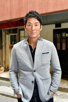 長嶋一茂演じる自称カリスマラーメンブロガー。