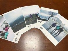 初日来場者特典となる5枚組ポストカードセット。