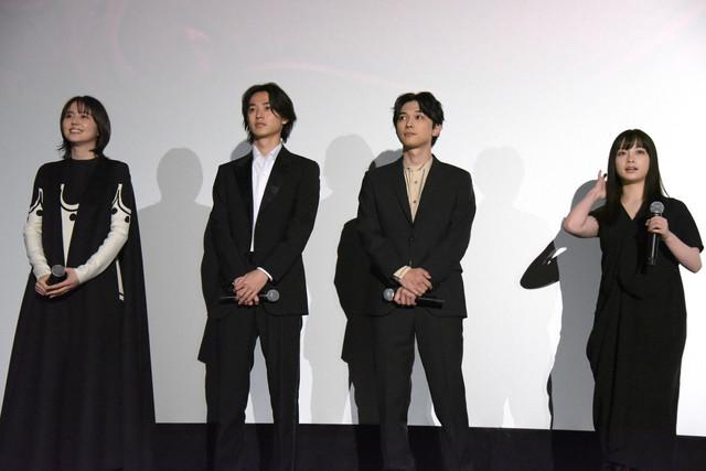 左から長澤まさみ、山崎賢人、吉沢亮、橋本環奈。