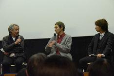 「柄本家のゴドー」初日舞台挨拶より。左から山崎裕、柄本佑、柄本時生。